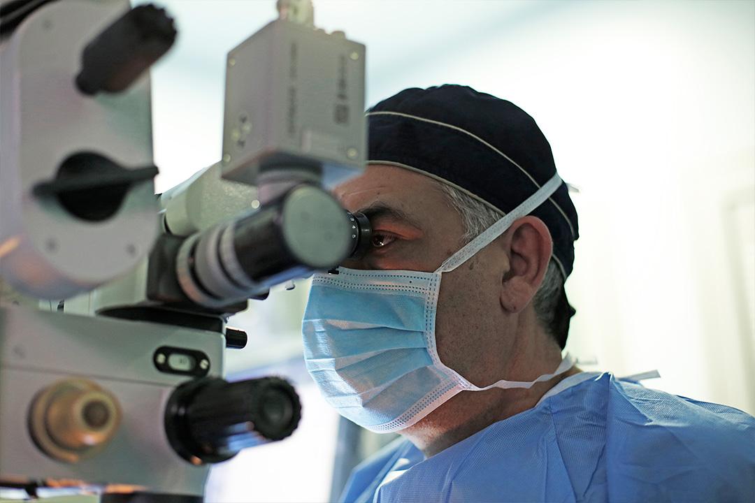 Δρ Κ. Καραμπάτσας - Χειρουργός Οφθαλμίατρος